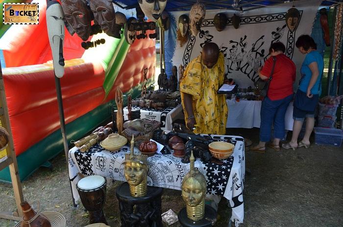 Expozant din Africa la Târgul Meşterilor Populari din Oradea