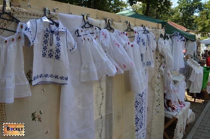 Ie tradițională romaneasca la Târgul Meşterilor Populari din Oradea