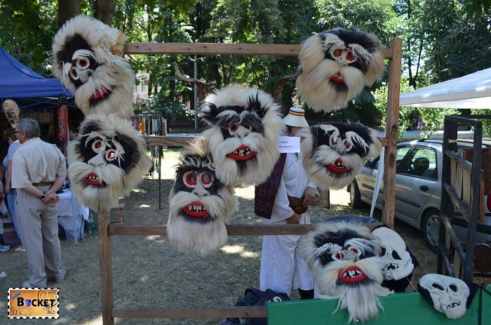 maşti traditionale la Târgul Meşterilor Populari din Oradea