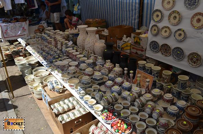 Vase din ceramica de Hortezu la Târgul Meşterilor Populari