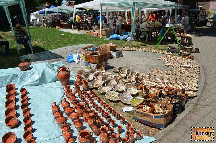 Vase de lut si de ceramica