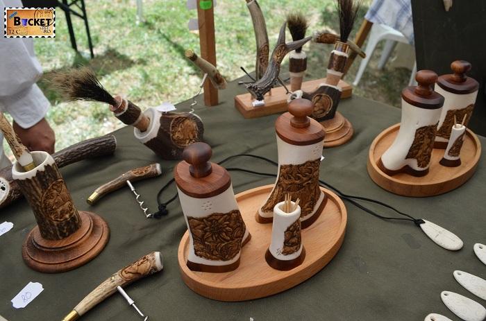 Silveszter Ferenc sculptură în coarne de cerb : solniţe, piperniţe,
