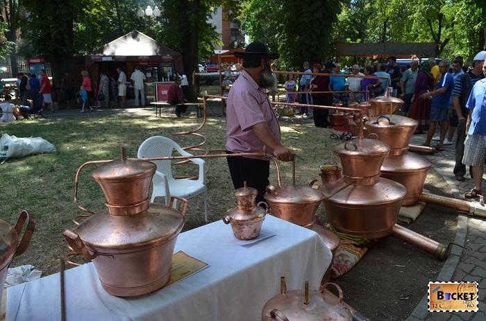 cazanele si instalațiile de distilare realizate din cupru
