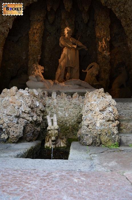 Hellbrunn Die Orpheusgrotte - grota lui Orfeu