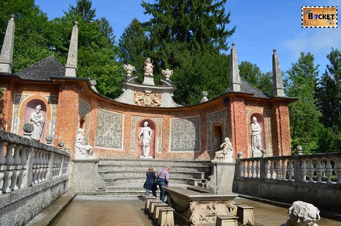 Hellbrunn Salzburg - italian udat la masa printului