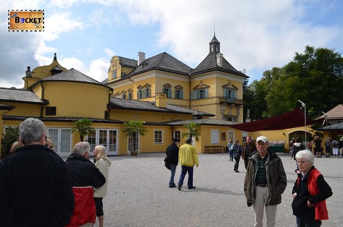 intrare gradinile palatului Hellbrunn