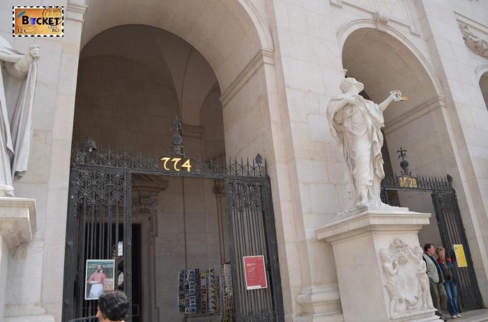 intrarea in Catedrala din Salzburg