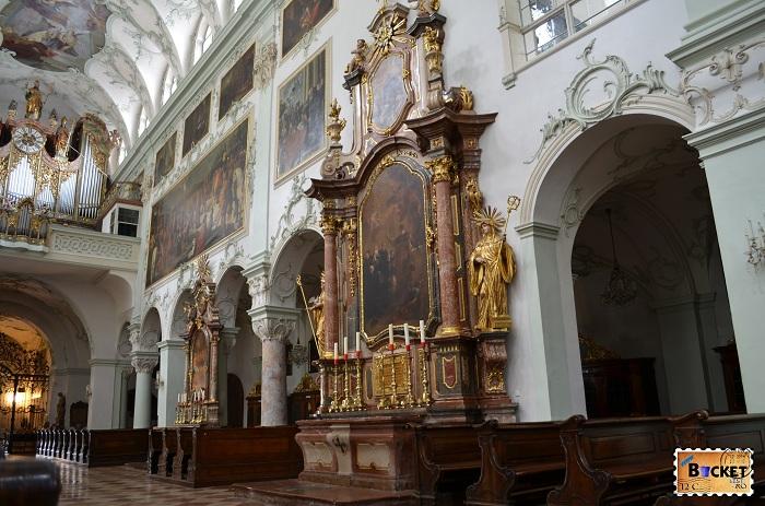 Salzburg - biserica abatiei Sfântul Petru din Salzburg