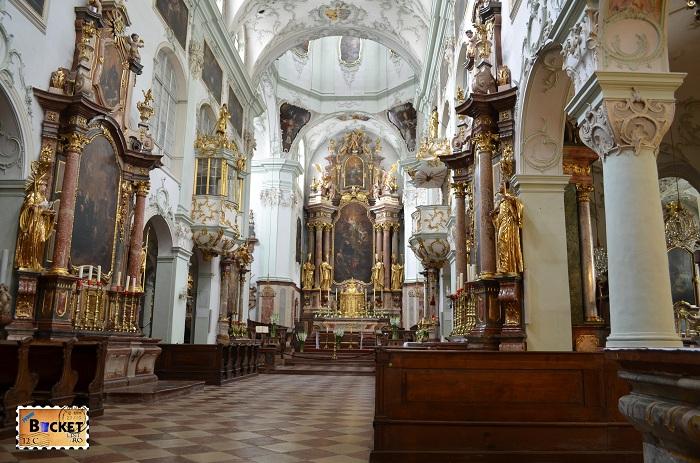 altar biserica Sfântul Petru din Salzburg