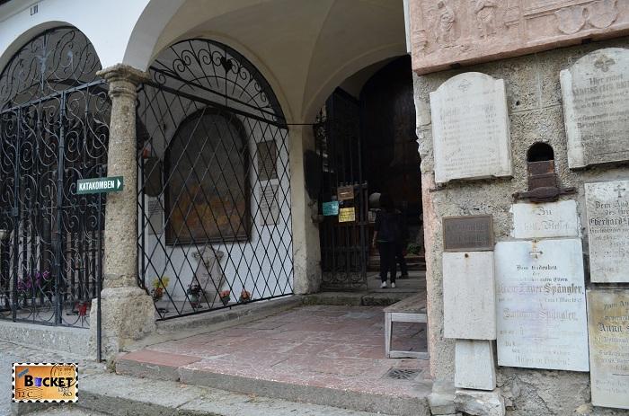 intrare in catacombele abației Sfântul Petru (Stift Sankt Peter)