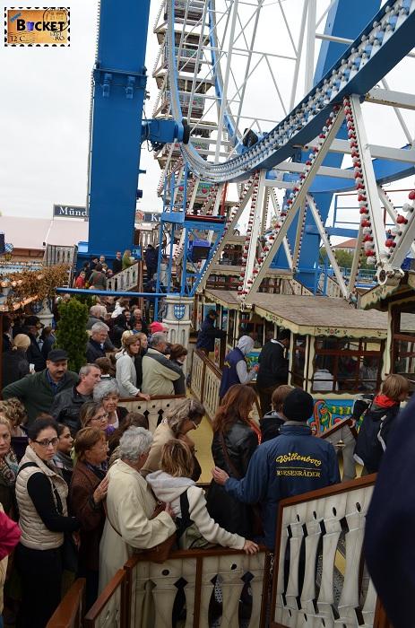 Coada la Das Riesenrad Oktoberfest Munchen