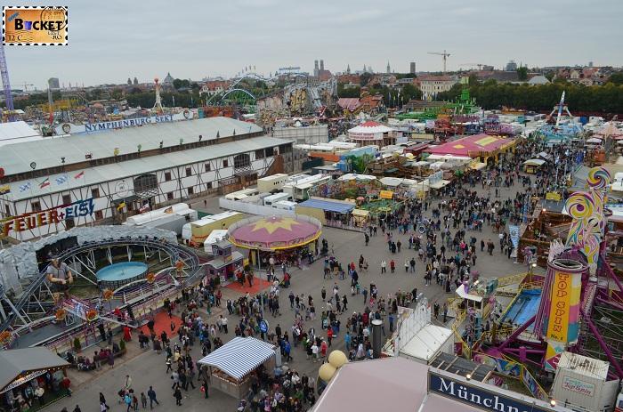 Oktoberfest Munchen vazut din roata uriaşă