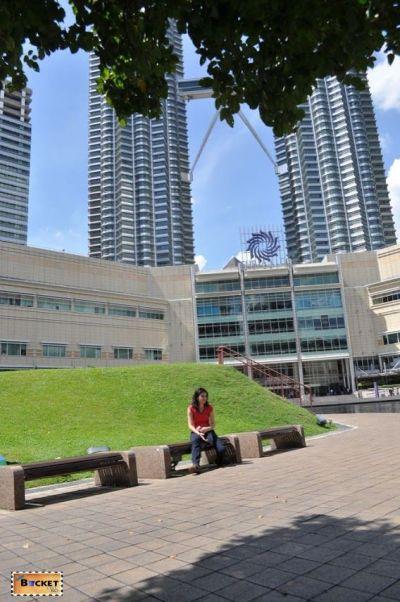 Turnurile Petronas - intrare