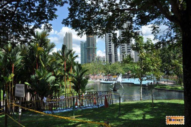 Turnurile Petronas - lac