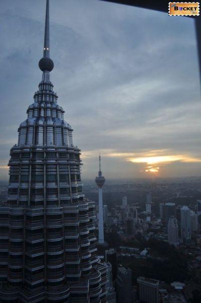 Turnurile Petronas 41