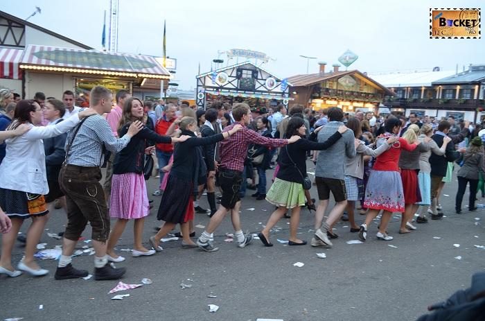 Voie buna la Oktoberfest Munchen (2)