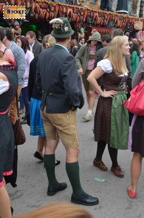 pantaloni de piele la Oktoberfest