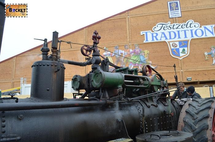 Dampfzugmaschine Oide Wiesn - Oktoberfest Munchen