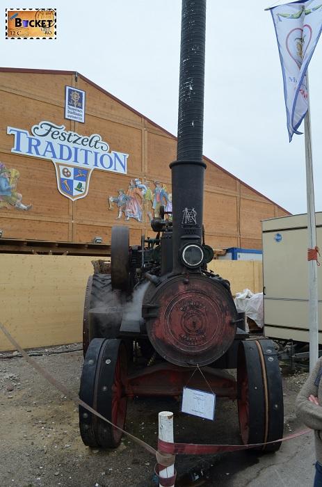 Dampfzugmaschine Oide Wiesn - Oktoberfest