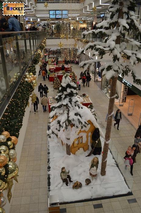 Peisaj de iarna la târgul de Crăciun din Forum Debrecen