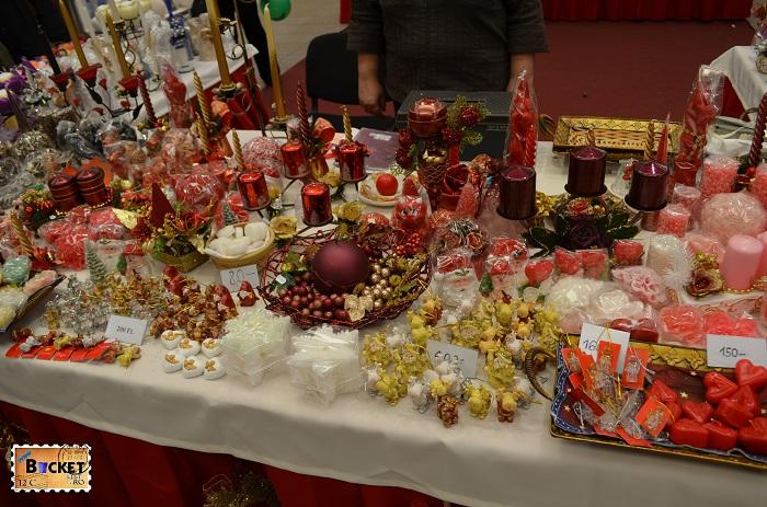 Ornamente pentru Craciun la Forum Debrecen