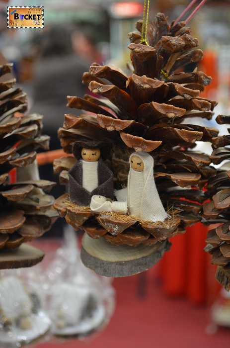 Suveniruri din con de pin  pentru Craciun la Forum Debrecen