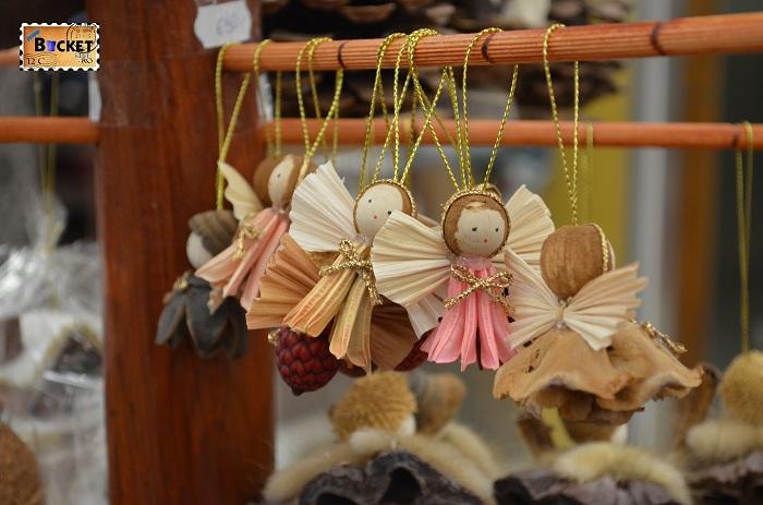 Ornamente la Mini târgul de Crăciun din Forum Debrecen