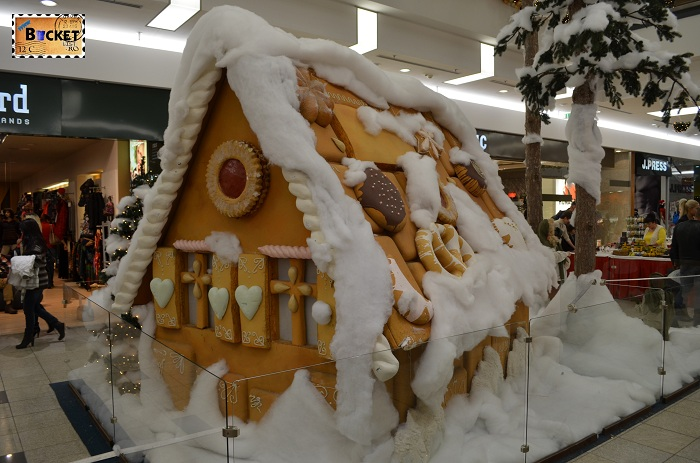 Casuta de turta dulce la târgul de Crăciun din Forum Debrecen