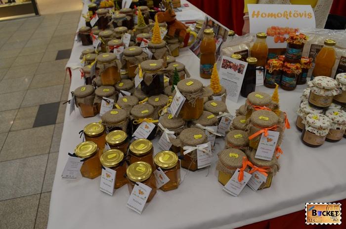 Produse apicole la Mini târgul de Crăciun din Forum Debrecen
