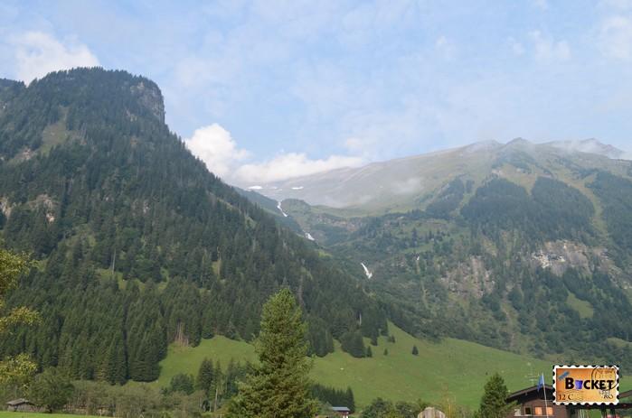 Cascada Walcherfall de pe drumul Grossglockner High Alpine Road
