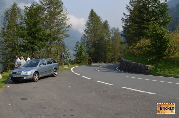 parcare pe drumul Grossglockner High Alpine Road - Cel mai frumos drum alpin din Austria ; Großglockner Hochalpenstraße;