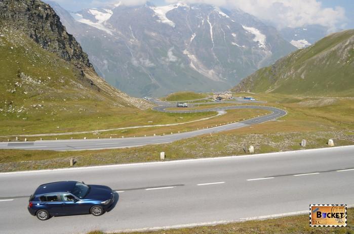 Drumul spre Fuscher Törl în zona Alpine Nature Show Museum de pe Grossglockner High Alpine Road