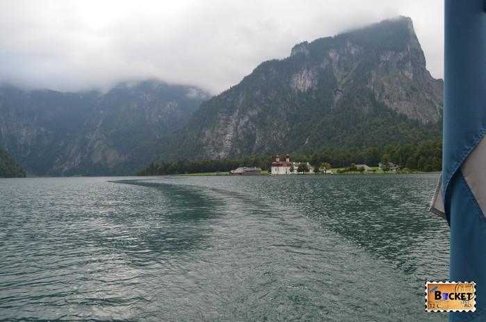 Lacul Konigssee şi mănăstirea Sf. Bartolomeu (St. Bartholomä)