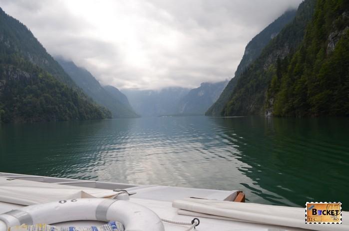 Lacul Koenigssee in drum spre mănăstirea Sf. Bartolomeu (St. Bartholomä)