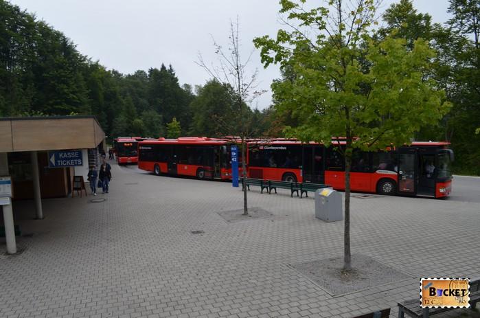 Statia de autobuz spre Cuibul de vulturi a lui Hitler - Eagle's Nest