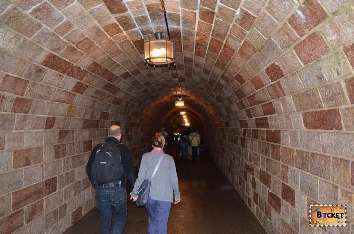 Prin tunelul din Kehlsteinparkplatz spre  Kehlsteinhaus - Cuibul de vulturi a lui Hitler Eagle's Nest