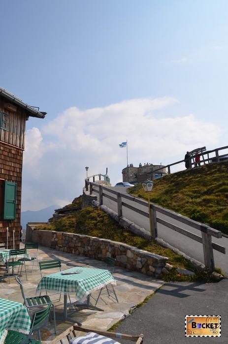 spre cabana Edelweißhütte de pe vârful Edelweiss Grossglockner