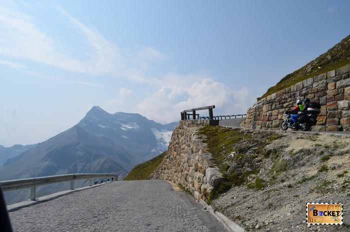 la coborare de pe Edelweißspitze spre drumul alpin Grossglockner