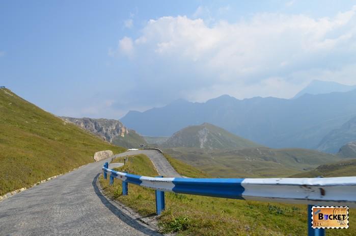 curba ac de par pe drumul de la  Edelweißspitze spre drumul alpin Grossglockner