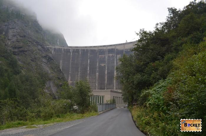 Barajele de la Kaprun -barajul  Limbergsperre lacul Wasserfallboden