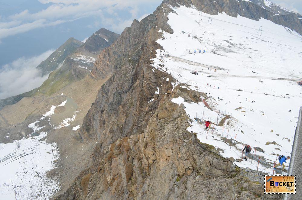 Pe marginea prapastiei spre Gipfelwelt 3000 de pe Kitzsteinhorn