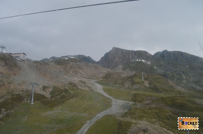 din telecabina Gletscherjet 2 spre varful Kitsteinhorn