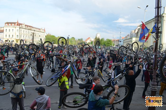 Critical Mass Oradea 2014 - Primarie