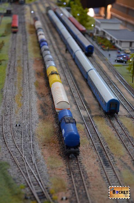 stația CFR Holod de pe linia Oradea Est - Vaşcău