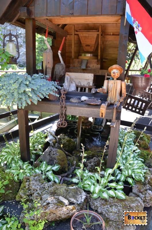 moara de apa in miniatura la Konoba Petro