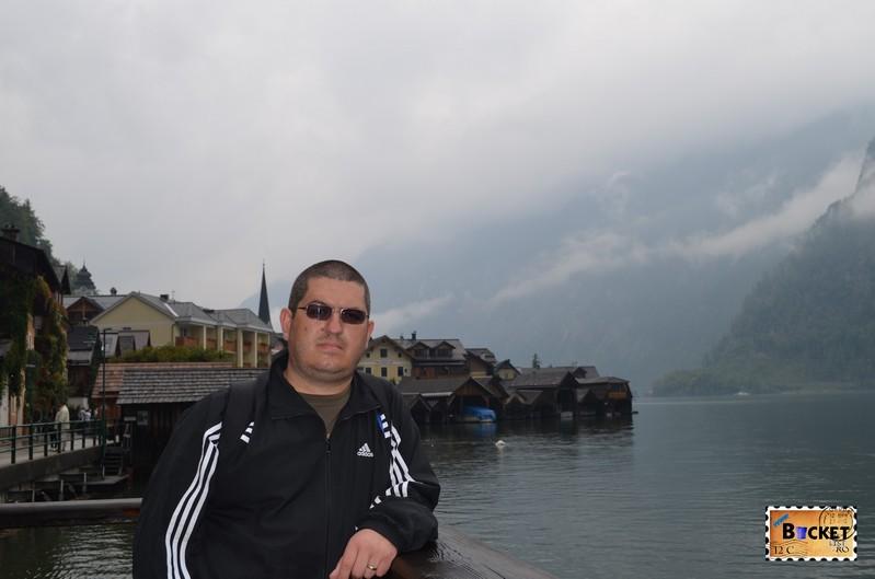 pe Seestrasse Hallstatt langa Hallstätter See