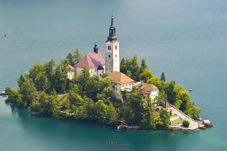 biserica Sf Maria din Bled