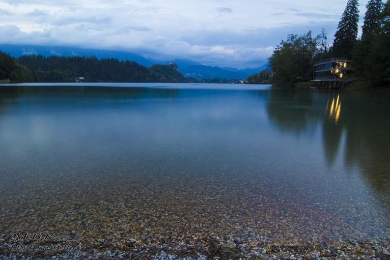 noapte pe lacul Bled