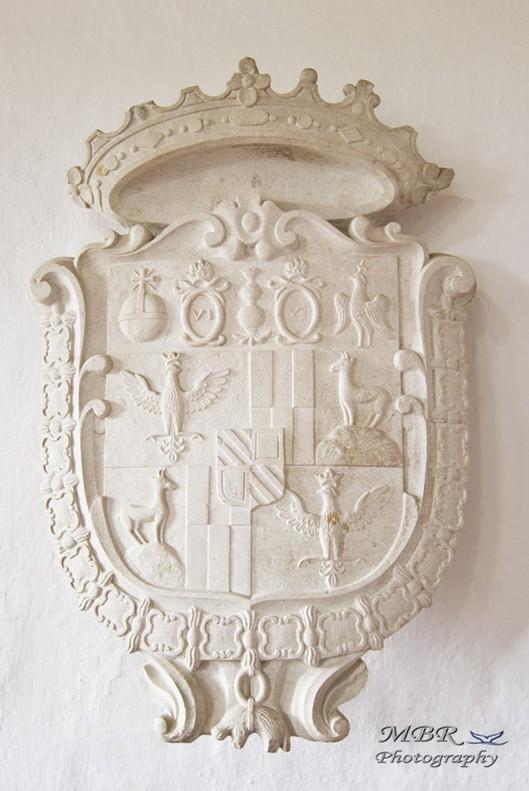 stema castelul Predjama din Slovenia
