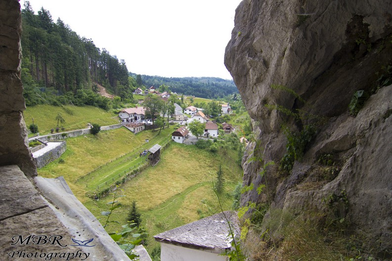 vedere din castelul Predjama din Slovenia